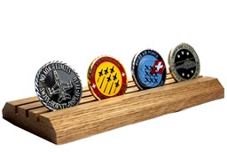 Bild von Coin Display Massivholz Eiche, Set inklusive Coins