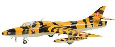 Photo de Hawker Hunter MK68 Metallmodell 1:72 Doppelsitzer im Tigerlook Staffel 11